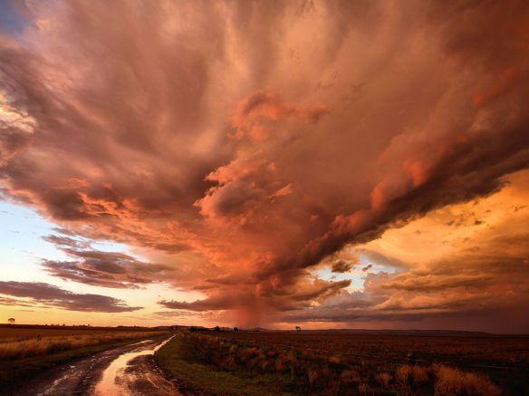storm-sky-red-australia_81125_990x742