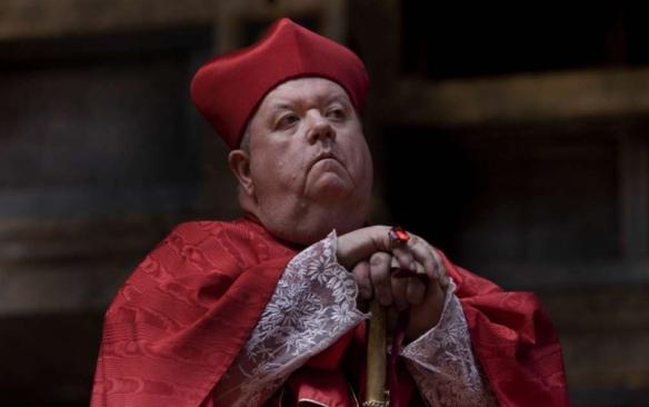 HenryVIII-Ian-McNeice-Cardinal-Wolesy.jpg